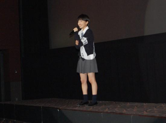 9.「青春賦」を歌う百田さん DSC_2586